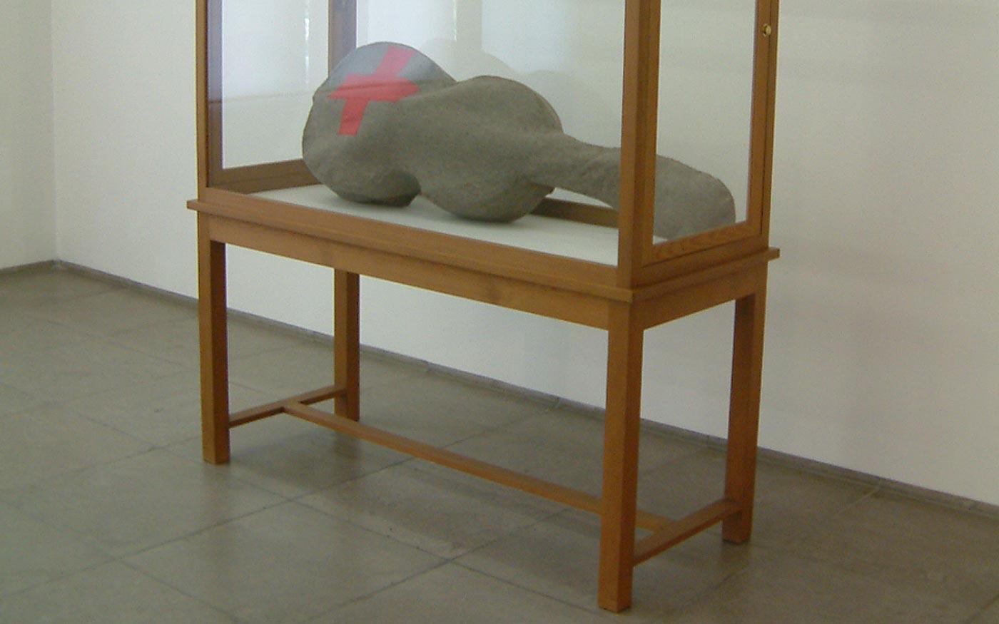 Vitrine für ein Kunstwerk von Beuys im Museum Hamburger Bahnhof