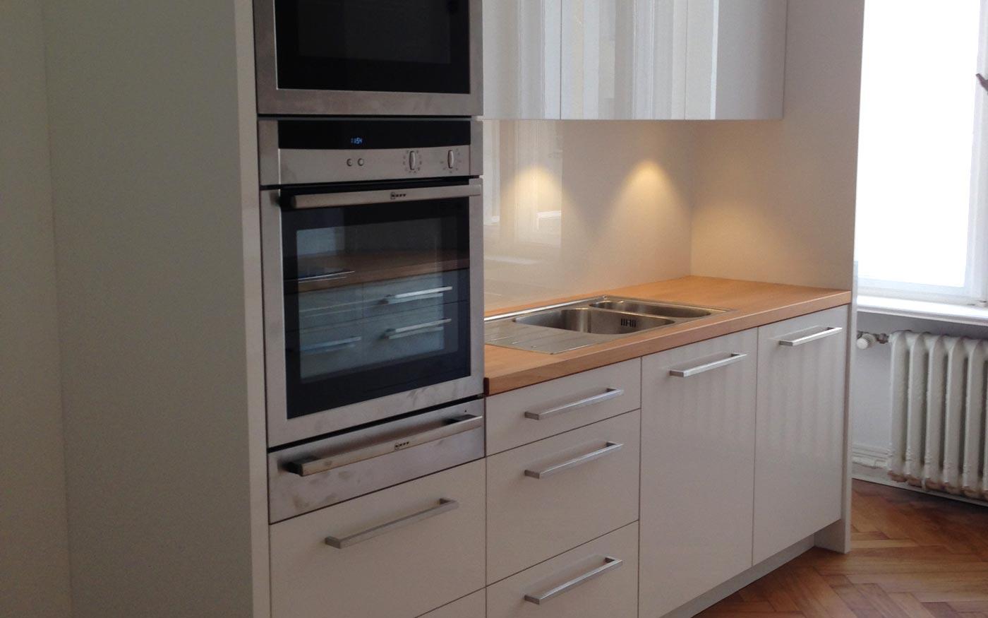 Kleine Küche vom Tischler