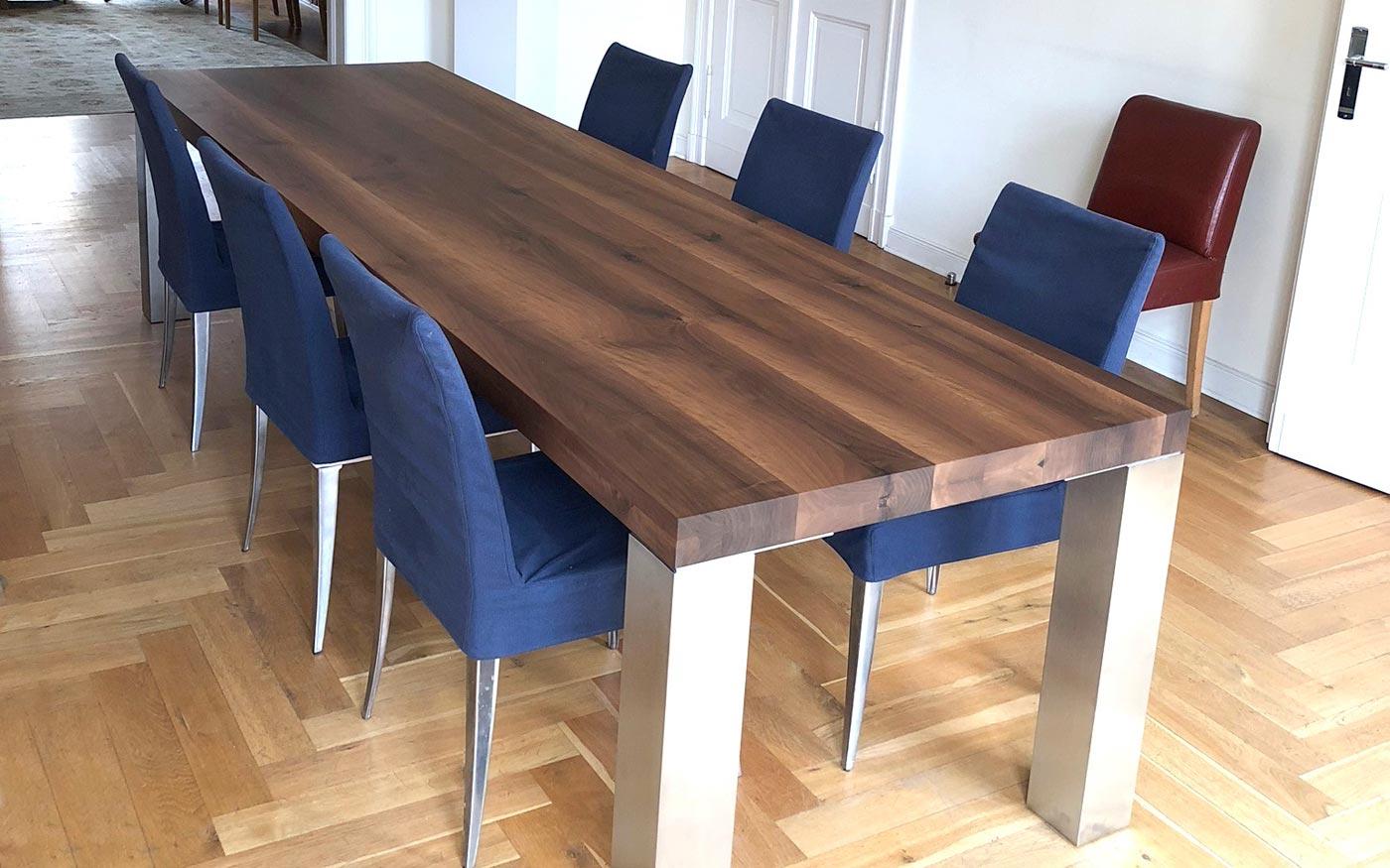 Großer edler Holztisch vom Tischler